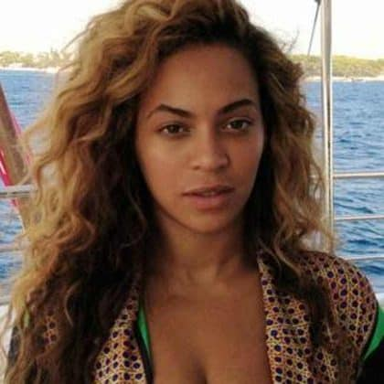 Beyonce Without Makeup On A Boat