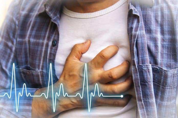 Symptoms Of Heart Attack Of Man And Woman & Risk Factors