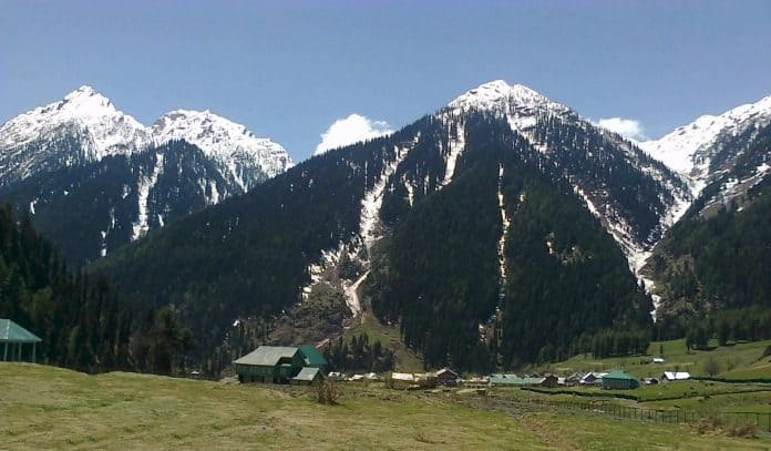 Top 10 Hill Stations In India For Tourist Vacation